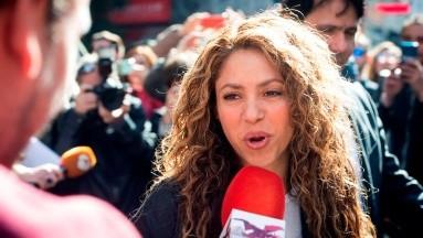 Fans defienden a Shakira de comentarios sarcásticos de J Balvin