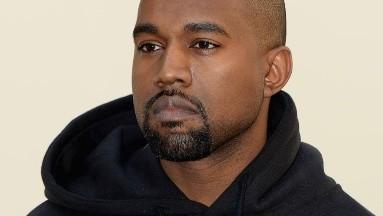 Kanye West tiene 43 años actualmente.