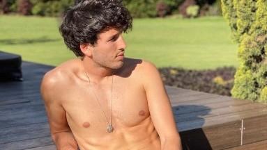 Sebastián Yatra eleva la temperatura al posar desnudo en Instagram
