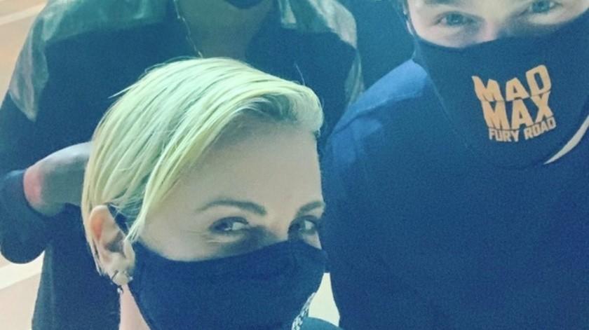 Charlize Theron agradece a los que asistieron a la proyección de Mad Max.(Instagram: charlizeafrica)