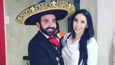 La futura ex esposa deVicente Fernández Jr asegura que no se han divorciado por él no quiere.
