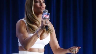 La actriz y cantante se une a la campaña en la que participan otras famosas para promover el voto entre madres latinas.