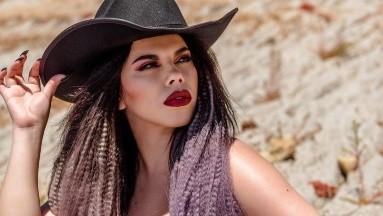 Lizbeth Rodríguez derrocha pasión al lucir como una sirenita