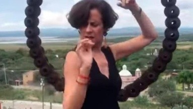 VIDEO: Denise Dresser 'perrea' al ritmo de Maluma por una buena causa