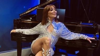 Alejandra Guzmán tiene 52 años de edad.