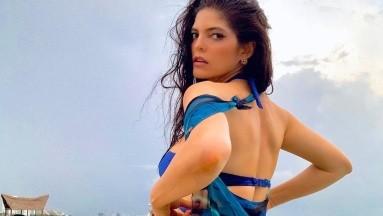 Ana Bárbara baila cumbia en plena calle con un conjunto súper sexy