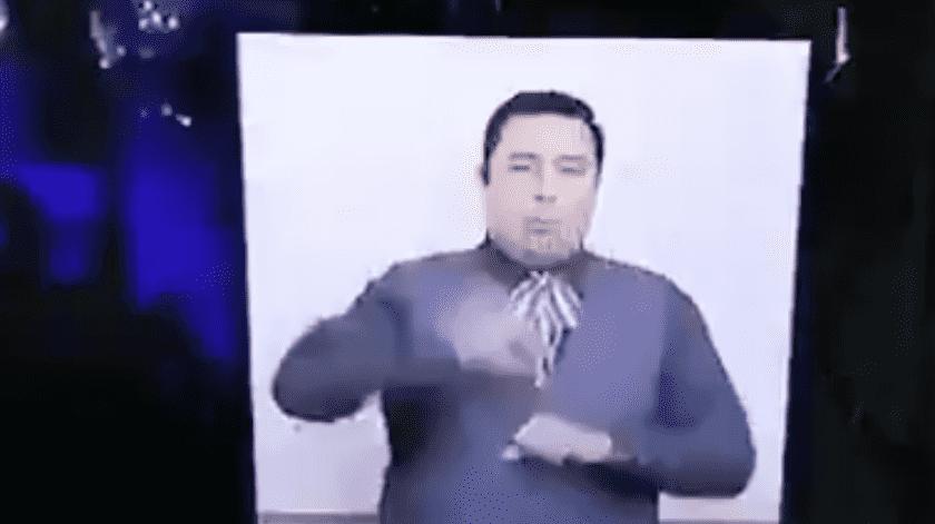 """Intérprete de lenguaje de señas se gana el corazón México al traducir los fuegos artificiales durante """"El Grito"""""""