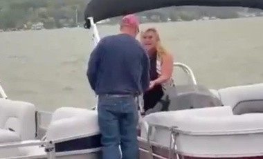 VIRAL: Hombre le pide matrimonio a su pareja a bordo de una lancha; el final ¡te sorprenderá!