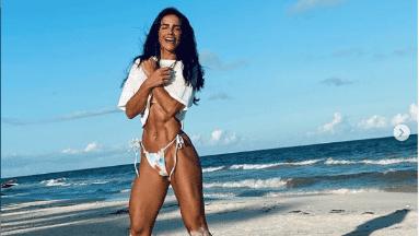 Bárbara de Regil paraliza Instagram con abdomen de acero