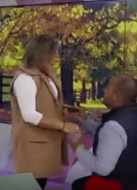 VIDEO: ¡Qué romántico! Le piden matrimonio en vivo a conductora de Canal Once; las redes explotan