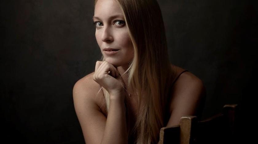 Actriz Catherine Oxenberg mantiene temor por secta que esclavizó a su hija