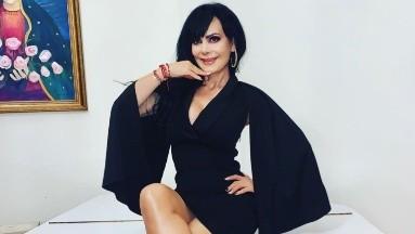 ¡Qué sexy! Maribel Guardia enseña su marcado abdomen con entallado outfit