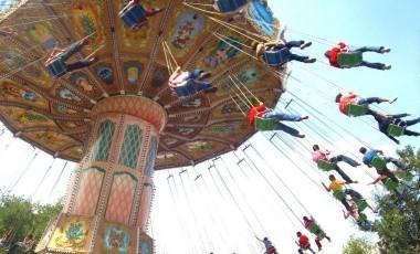 Con la posibilidad de volver a semáforo rojo, Six Flags reabre sus puertas en Ciudad de México.