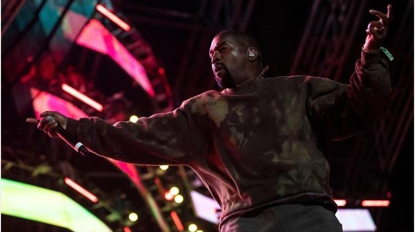 Kanye West causó polémica con sus recientes declaraciones.(EFE)