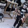 Niño festeja su cumpleaños con la temática de la icónica banda de rock Kiss