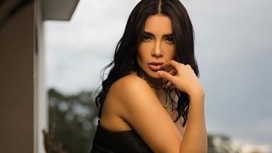 Dania Méndez deleita a sus seguidores desde una bañera llena de burbujas