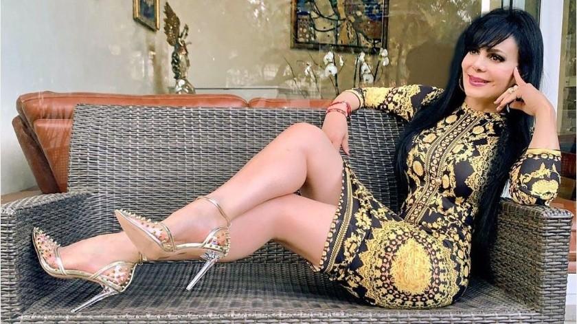 Maribel Guardia subió un outfit con un estilo poco común en ella, pero igualmente sexy.(Instagram Maribel Guardia)