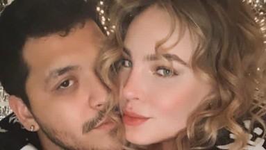 Más enamorados que nunca, Belinda y Christian Nodal son portada de People en Español