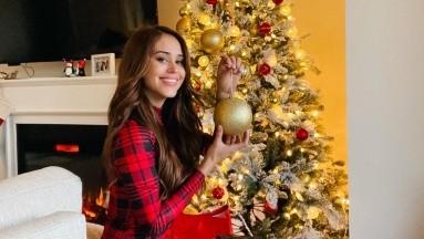 Yanet García manda mensaje de Navidad con diminuto vestido