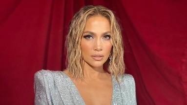 Jennifer Lopez se jala sus bragas en la playa