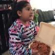 La pequeña pidió un regalo que pudiera compartir con su familia.