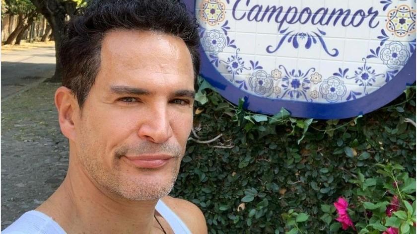 El actor reveló que tuvo que trabajar para arreglar varios problemitas con su esposa.(Instagram: soyjuliocamejo)