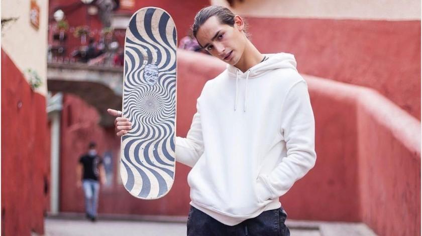Emilio Osorio, de 18 años de edad, dio positivo a Covid-19.(Instagram ¿Qué le pasa a mi familia?)