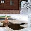 Putin se zambulle en agua helada en la Epifanía ortodoxa, pese a advertencias sanitarias